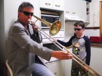 かっけえwwwキッチンでイケてるTbnお父さんと息子の15秒動画が大人気に。