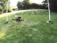 これは面白い。庭に作ったコースでクアドロコプターのエアレースしてみた動画。