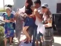 強婚。誘拐されて泣き叫ぶ少女を無理やり式場に運んで結婚式。カザフスタンの誘拐結婚が酷いと話題に。