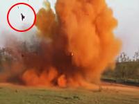 ちょwww吹き飛んでるやないかwwwハンターが狩りに爆弾を使うとこうなる(´・_・`)