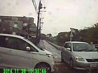 すげえギリギリ。「止まれ」は止まらないと危ないから「止まれ」と書いてあるんです車載