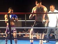 なんだこの体格差。キックボクシングで小さい方が巨人を倒したスピニングキックが強烈すぎるw(゚o゚)w
