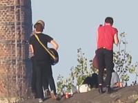 盗撮しようとその気になればどこからでも盗撮できるという例。超ズーム動画。