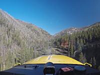 えっ!?そんな所に着陸すんの?という場所に着陸しちゃう軽飛行機のビデオ。