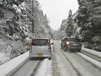 雪道の恐怖。岐阜の雪道でコントロールを失い対向車と衝突したドライブレコーダー