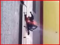 チベット自治州で20歳の女の子が焼身自殺。そのビデオ。こんなかわいらしい子なのに・・・。