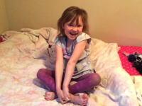お誕生日にサプライズで子猫を贈られた少女が可愛すぎる動画。ソーキュート。