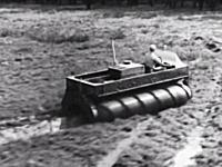 1960年代に考案された水陸両用の乗り物がなかなかカッコイイ。スクリュービークル