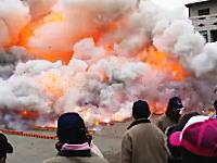 「核爆式燒炮仗」なにこれ逃げたいwww台湾の100万個の爆竹に点火したった動画がヤバいwww