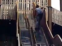 使用禁止にはわけがあるwww閉鎖された滑り台で遊ぼうとした男がwwww