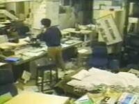 20年前の今日。阪神・淡路大震災。地震発生の瞬間の映像。なんど見ても怖すぎる。