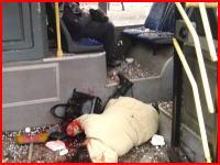 ドネツクで砲撃があり砲弾5発がバス停留所に着弾。民間人13名が殺される。現場映像。