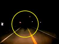これはあかん(´°_°`)夜道を運転中に真っ黒のおっさんが目の前に現れたら(´°_°`)