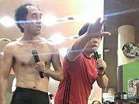 江頭2:50パチンコ屋営業で乱入してきた男性にマジギレ!?という動画が話題に。