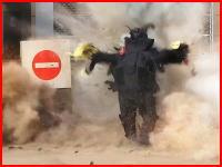 爆発物処理班が爆弾の処理に失敗して爆死。その瞬間の映像が公開される(((゚Д゚)))