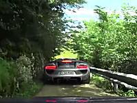 フェラーリのナビに従ったらやたら難易度の高い道を走らされた車載。セレブのドライブ。