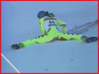 コースに大量の流血。スキー滑降で死亡したゲルノ・ラインシュタドラー選手の映像。1991年。