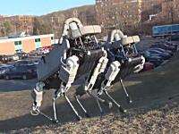 例の4足歩行ロボットが小型化してさらに動きもめちゃスムーズになっていた動画