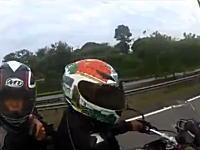 バイクで走ってる最中にバイク強盗に遭遇したヘルメットカム。無茶苦茶やんww