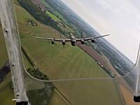 グングン動画。ドイツ空爆で活躍したアブロランカスターB(爆撃機)を飛ばしてみた動画。