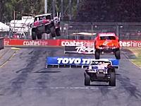 なんだこのレースwwwサーキットにジャンプ台!?スタジアムスーパートラックが熱い!