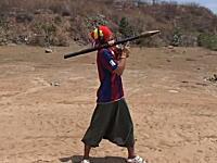 日本人旅行者が体験。カンボジアにはロケットランチャーB40(RPG-2)が撃てる射撃場がある。