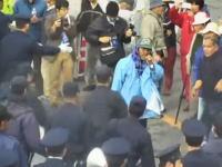 キャンプ・シュワブで抗議活動をしていた2名が逮捕される瞬間。米軍撮影が流出。