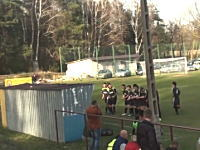 間抜けなサッカーチーム。ゴールを決めてダンスを披露していたらwwwww