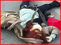 AK47と手榴弾で武装して警察本部を襲撃した女が射殺される瞬間。イスタンブル。