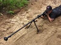 すごい反動。旧ソ連の対戦車ライフル「PTRD-41」を撃ってみた動画。