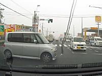 信じられないドラレコ。かなり豪快に信号無視してくる車3連発。赤信号は止まっとけよ。