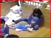 預かった園児を虐待する幼稚園の先生のビデオが公開され問題になる。