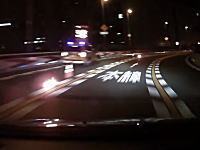 阪神高速でカーブを曲がりきれなかったGT-Rに当て逃げされてしまうドライブレコーダー