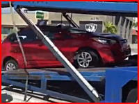 これは悲惨。積車で作業中に別の車が突っ込み運転手が死亡。その瞬間。