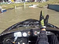 このボートレースはんぱねえwww狭いコースをマツダ4ローターツインターボエンジンを搭載した船で爆走