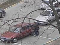 自分の駐車枠を確保しておくためにせこい事をするドライバーを盗撮してみた。