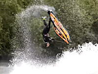 ジェットスキーフリースタイル世界チャンピオンの動きが凄すぎて笑うわwww