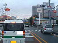 運転中に意識を失っている?さいたま市で撮影された怖い事故の車載動画。