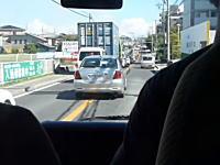 日本の緊急走行ビデオは珍しいかも。消防団の消防車が現場に向かうフロントビュー。