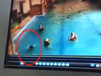 すぐ近くで子供が溺れているのに誰も気づかない。溺れて力尽きて沈んでからやっと救助される。