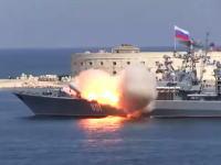 すごい動きしたwwwフリゲート艦から発射されたミサイルがヤバい動きしてワロタw