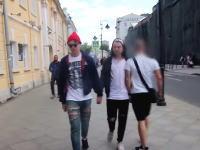 ロシアではゲイは許されない?男同士が手を繋いで街を歩いてみたら。ホモホモ動画。