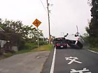 広島のプリウスミサイル。一時停止無視したプリウスがミニバンを吹っ飛ばす大事故を起こす