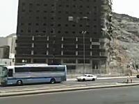 建設中のビルが突然真っ二つに割れて崩壊したらしいwwwえええええwww