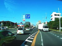 珍しい車載ビデオ。淡路島の国道28号線を緊急走行している救急車?のドラレコ動画。