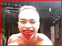 驚愕!犬を殺して生血を飲む男の動画が投稿される(((゚Д゚)))再生注意。