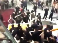 エスカレーター事故続報。怒った遺族が遺体をショッピングモールに置きに行く。