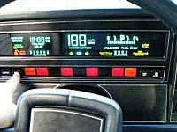 28年前の車にタッチスクリーンが搭載されていた。ビュイック・リヴィエラ