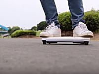 日本人が開発したノートPCサイズの持ち運べる車「WalkCar」が海外で話題に。