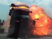 うっそ(°_°)目の前で起きたヤバすぎる事故を撮影したドライブレコーダー。死亡事故。
